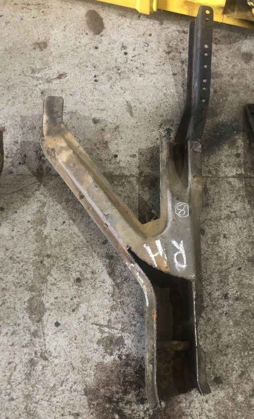 CHUNK 8. Subframe RH Legs Section